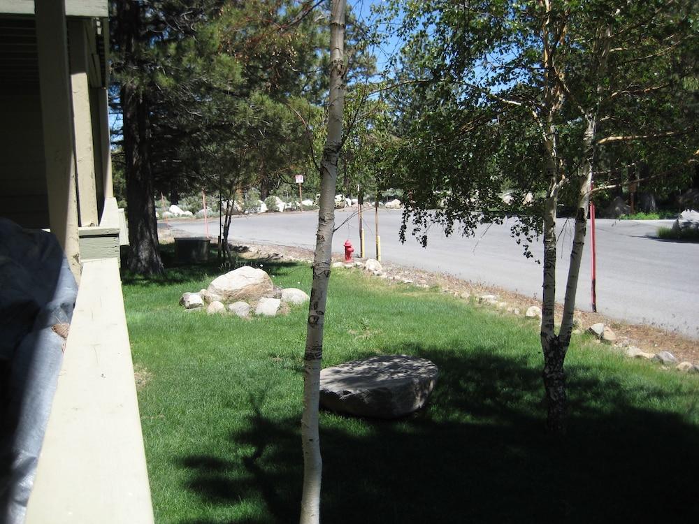 La vista blanc by mammoth reservation bureau in mammoth lakes ca