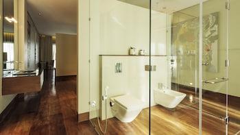 Under The Stars Luxury Apartments Boracay Bathroom Amenities