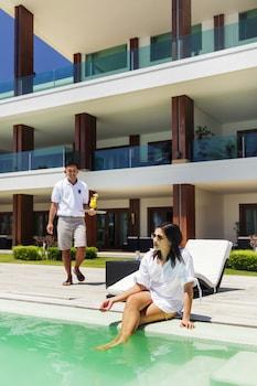 Under The Stars Luxury Apartments Boracay Outdoor Pool