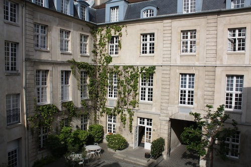 MIJE Fauconnier - Fourcy - Maubuisson - Hostel, Paris