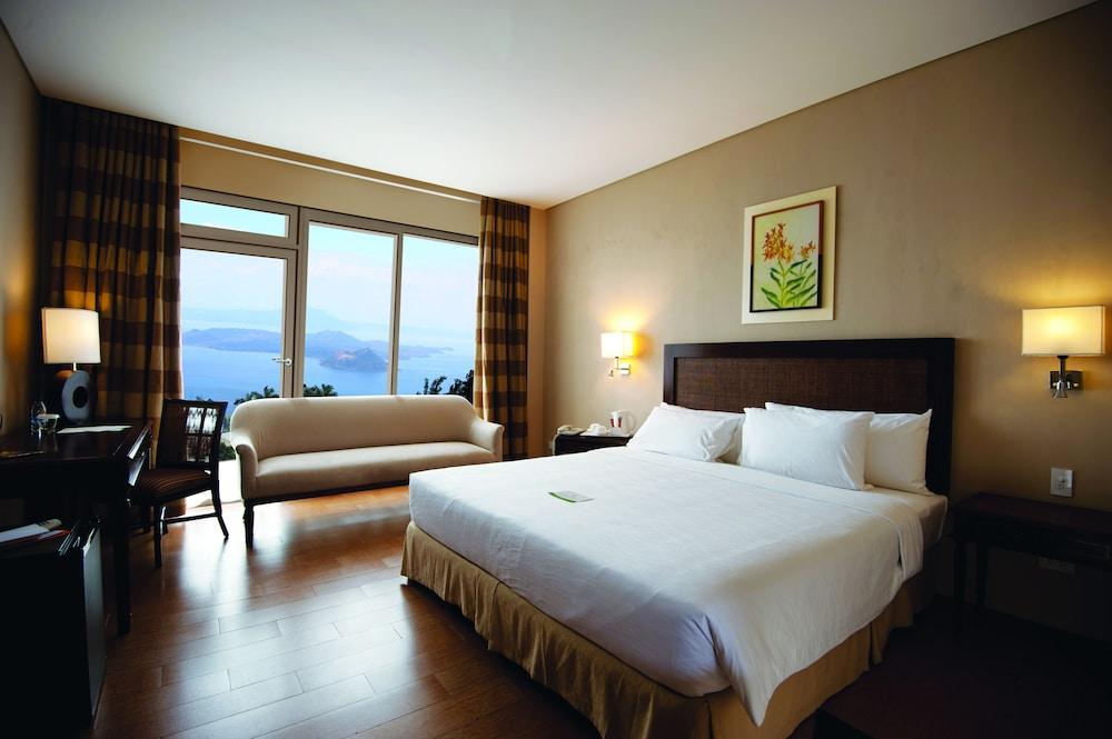 https://i.travelapi.com/hotels/10000000/9620000/9618900/9618818/d5f6cfcc_z.jpg