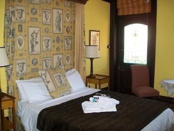 https://i.travelapi.com/hotels/10000000/9630000/9623700/9623601/f874409a_b.jpg