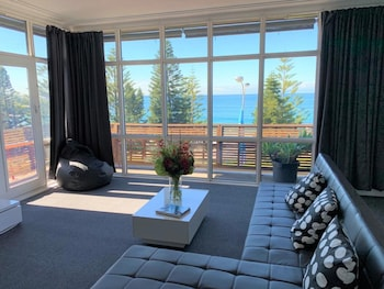 Deluxe Ocean View Suite