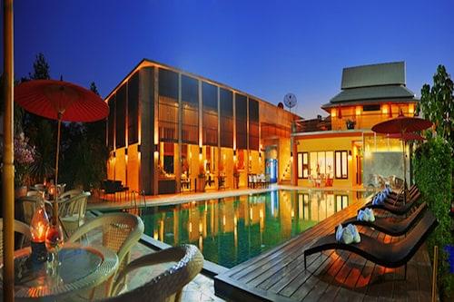 . Poonyamantra Resort