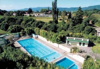 Hotel - Opal Hot Springs & Holiday Park