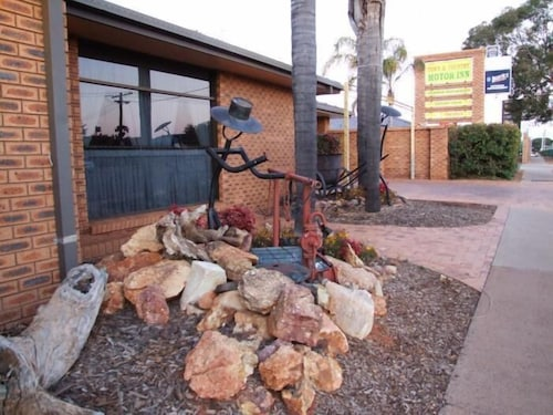 __{offers.Best_flights}__ Cobar Town and Country Motor Inn