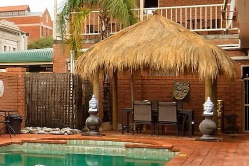 . Central Yarrawonga Motor Inn