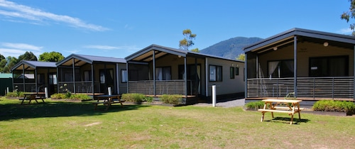 . Eildon Riverside Holiday Park