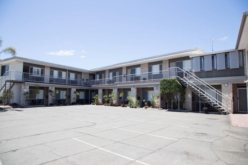 トロピカーナ モーテル