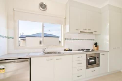 Werribee Short Stay Villas & Accommodation, Wyndham - West