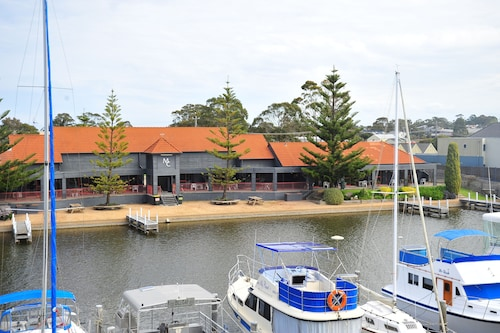 . Mariners Cove at Paynesville Motel & Apartments