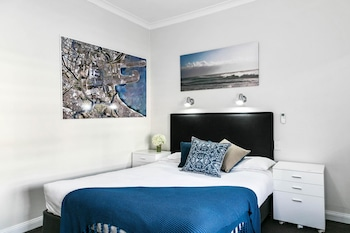 Guestroom at Comfort Hotel Sydney Airport in Arncliffe