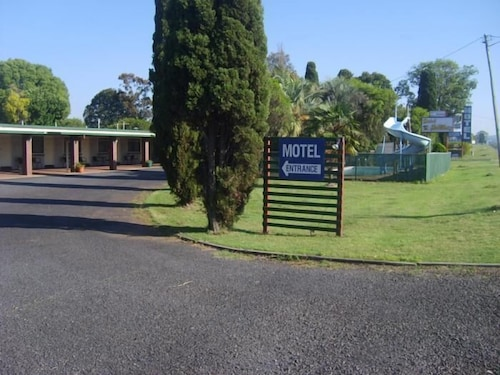 . Motel Holliday