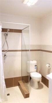 Rose & Crown Hotel - Bathroom  - #0