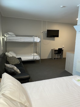 艾里馬塔飯店
