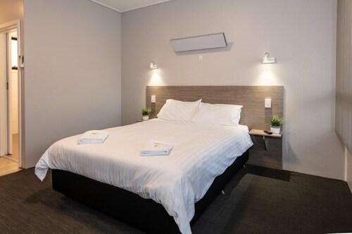 . The Elimatta Hotel