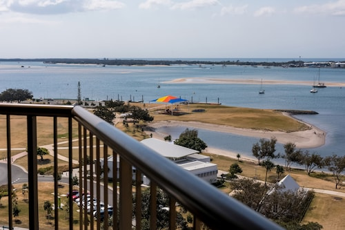 Palmerston Tower Holiday Apartments, Southport