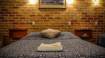 Guestroom at Beenleigh Village Motel in Beenleigh