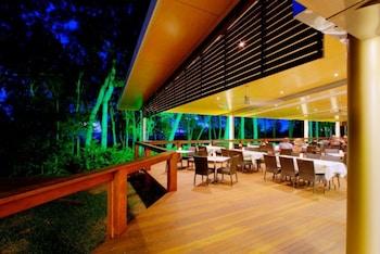 Albatross Bay Resort