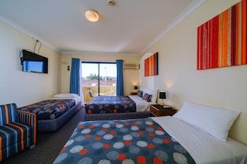 Guestroom at Sands Hotel, Maroubra in Maroubra