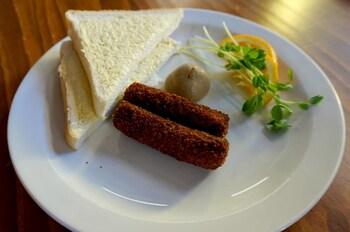 Clog Barn Caravan Park - Food and Drink  - #0