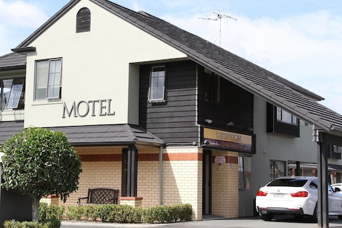 . Quantum Lodge Motor Inn