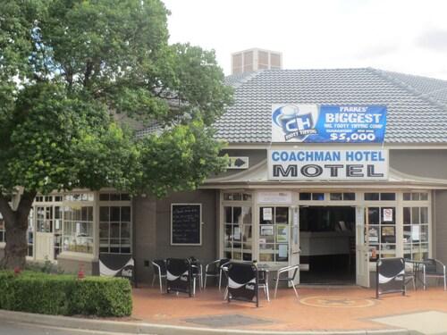. Coachman Hotel Motel