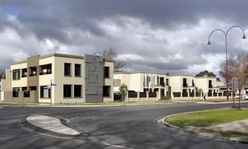 May Park Executive Apartments, Horsham - Central