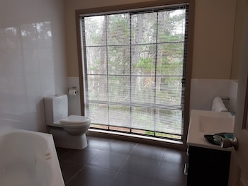 Tangenong Cottages - Bathroom  - #0