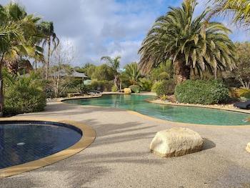 島嶼灣別墅飯店 (舊稱衝浪賽道假日住宿旅館) Island Cove Villas (Previously known Surf & Circuit Holiday Accommodation)