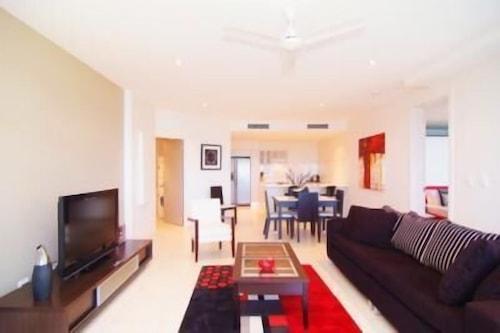 Coral Cove Apartments, Bowen
