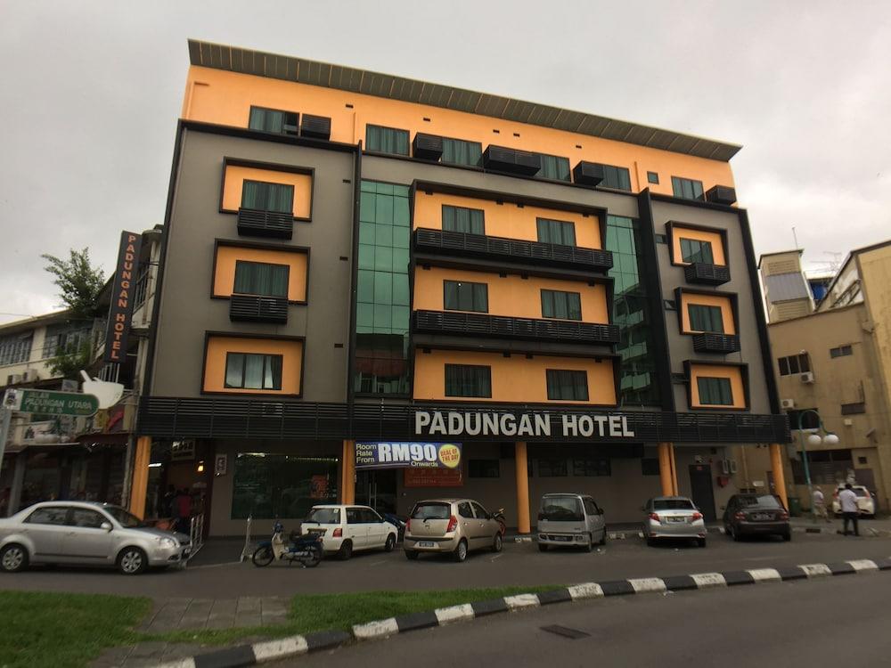 パダンガン ホテル