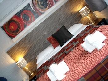 Hotel - A Raceview Motor Inn