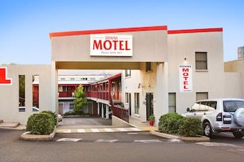 Hotel - Downs Motel