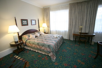 King Standard Room with Shared Bathroom and Fan