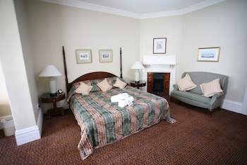King/Twin Superior Room with Ensuite and Optional Single Bed