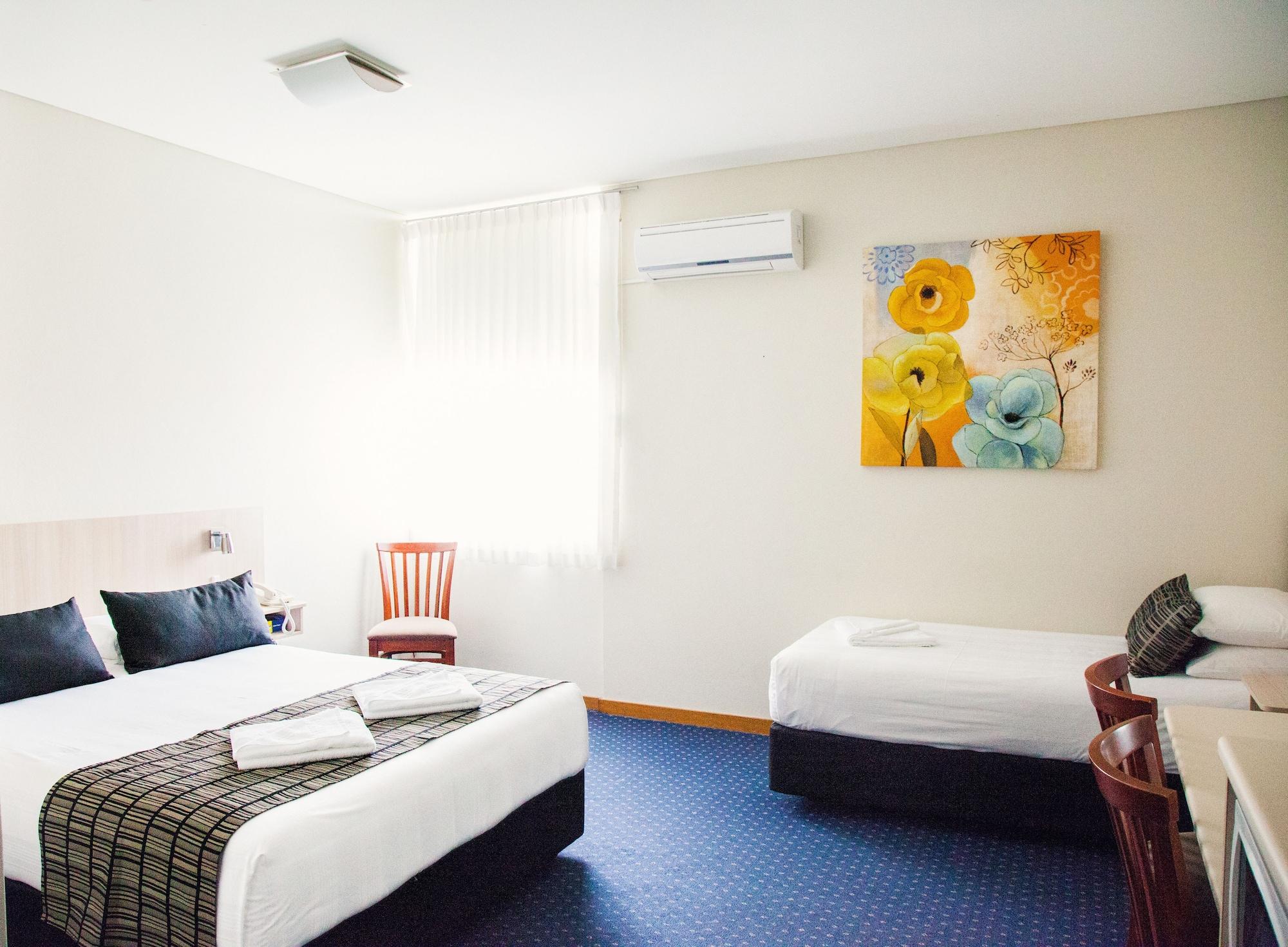 Tudor Inn Motel, Newcastle - Throsby