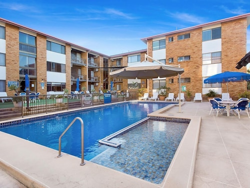 . Sandcastles Holiday Apartments
