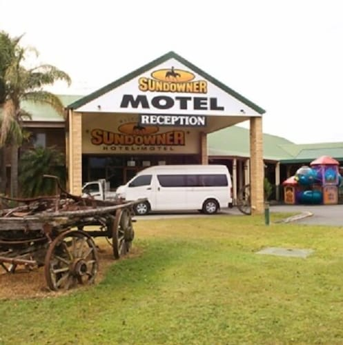 . Sundowner Hotel Motel