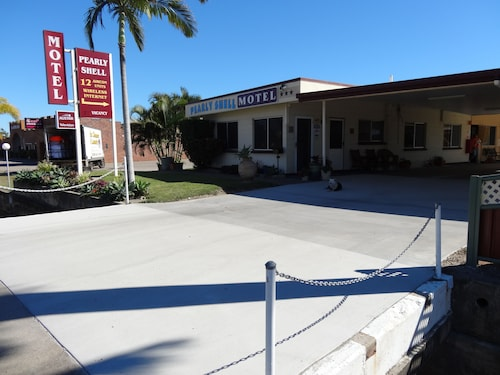 The Pearly Shell Motel, Bowen