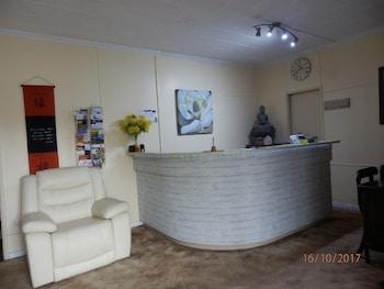 Flying Spur Motel - Reception  - #0