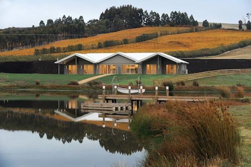 Relbia Lodge, Launceston - Pt B