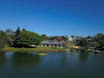 芙蓉湖濱汽車旅館 Hibiscus Lakeside Motel