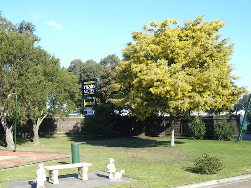 . Bairnsdale Main Motel