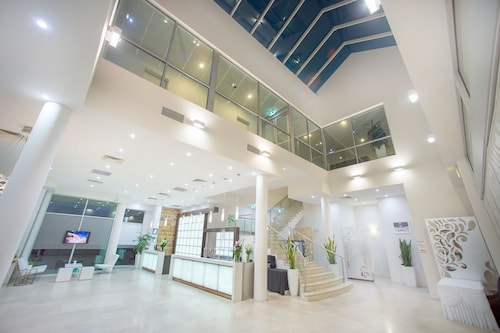 Sfera's Park Suites & Convention Centre, Tea Tree Gully - South