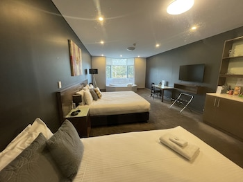 斯費拉公園套房飯店及會議中心 Sfera's Park Suites & Convention Centre