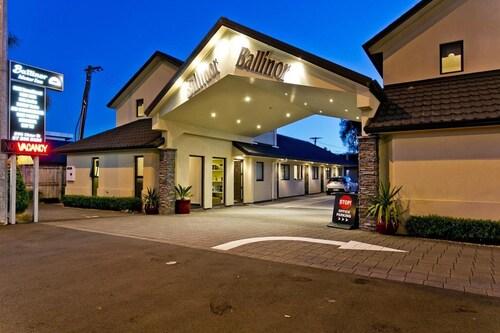 . Ballinor Motor Inn Hamilton