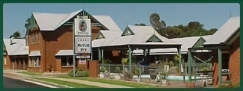 Young Federation Motor Inn, Young