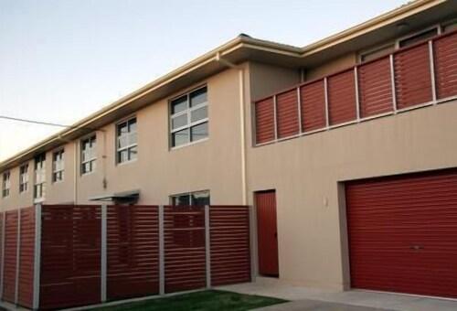 Ethelton Serviced Apartments, Port Adel. Enfield - Coast