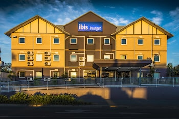 Hotel Entrance at ibis Budget Windsor Brisbane in Windsor